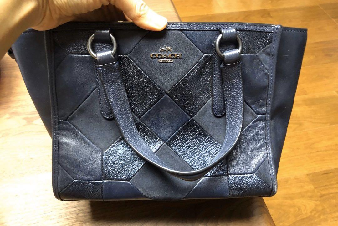 Used, authentic, legit Coach handbag 32*22cm (from an individual seller who bought in China Coach store)