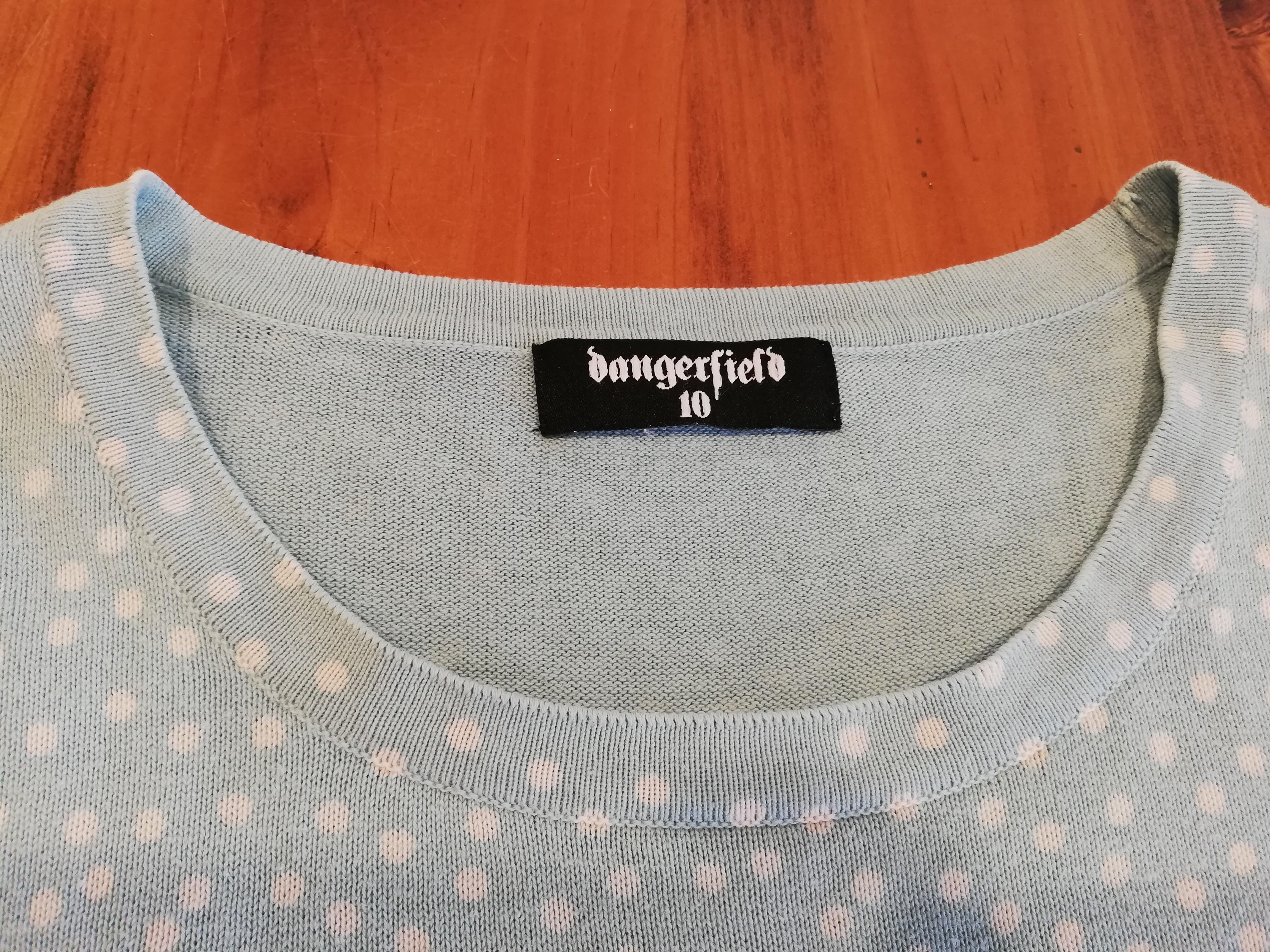 10/M - Dangerfield - Light Blue Short-Sleeve Jumper w White Polka Dots