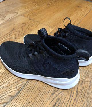 NB黑色運動休閒鞋36.5號