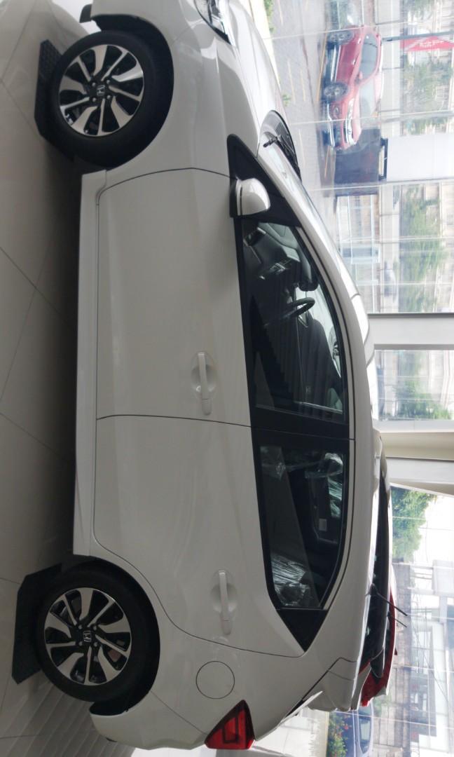 Honda new Brio Rs cvt promo awal tahun dapat cashback