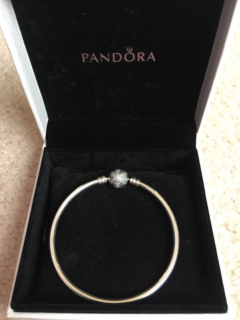 Pandora Limited Edition Snowflake Bangle - Size 17 - NEW