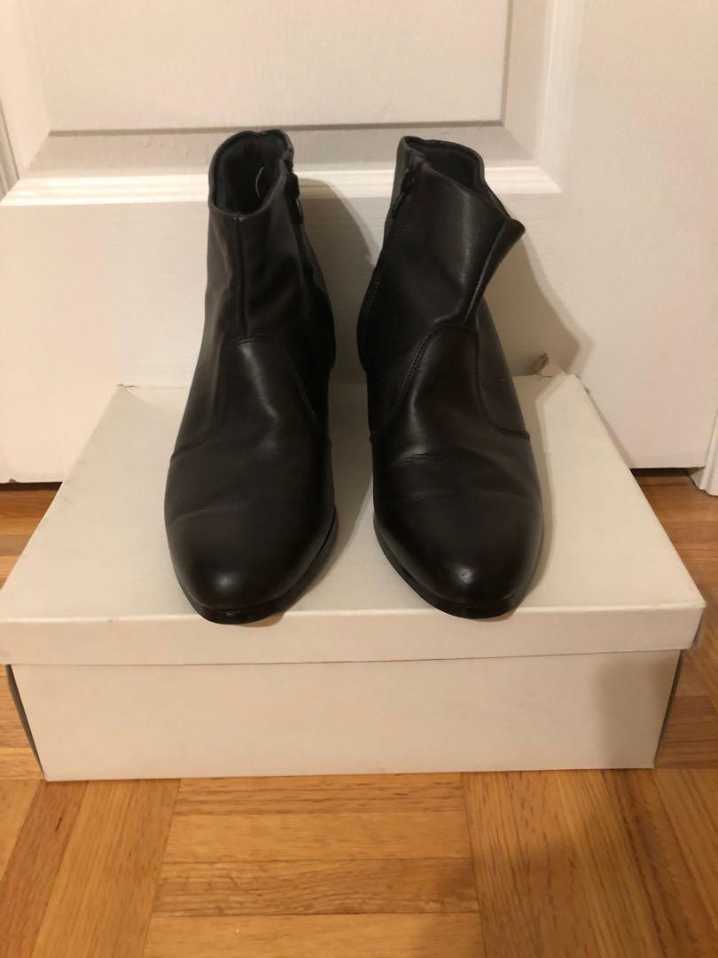 URGENT ~ $30 ~ Men's Black Genuine Leather Boots Size 9