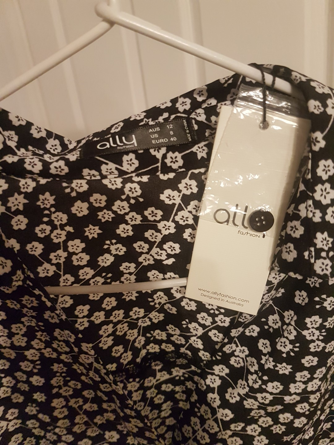 Black and white floral cropped button up collar shirt