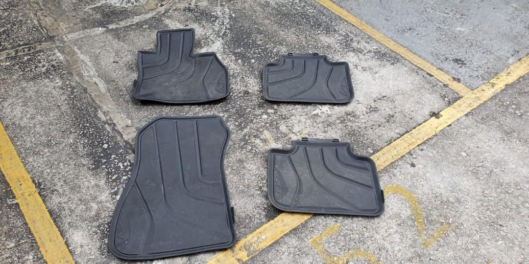 BMW X1 original rubber foot and boot mats