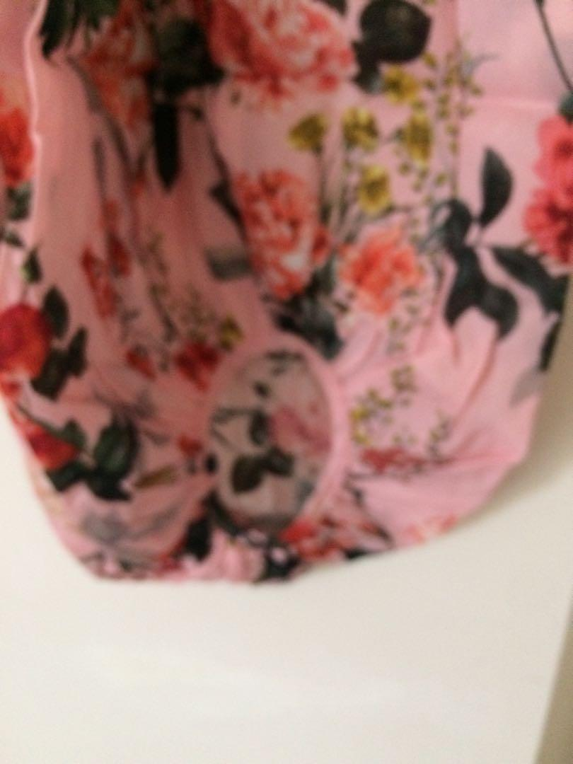 New Forever New cropped blouse floral size 10 or 8