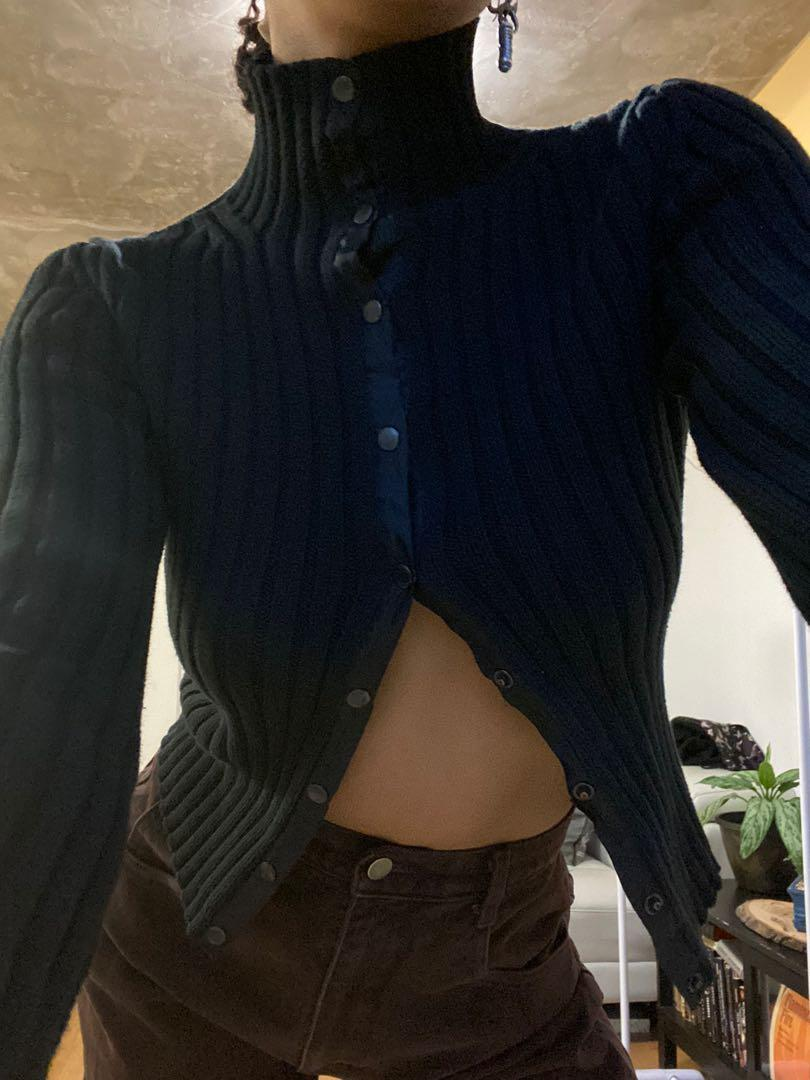 PERFECT FOR WINTER! THICK BLACK BUTTON UP RIBBED SHIRT!
