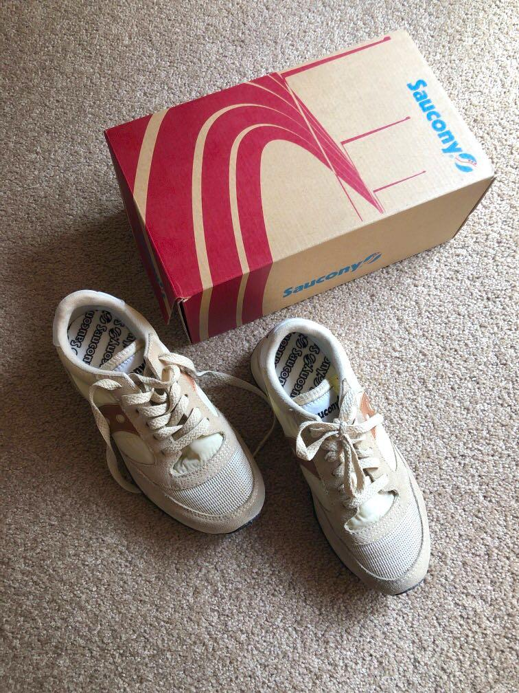 Saucony Exclusive Jazz Original Vintage Sneakers in Cream & Rose Gold