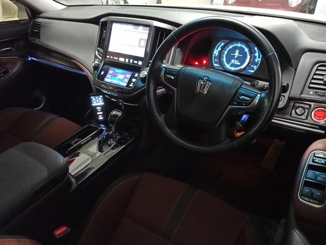 Toyota Crown ATHLETE Auto