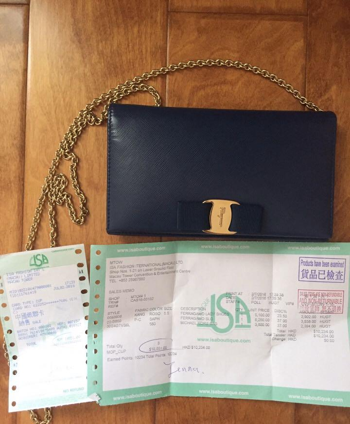used,98%new,authentic |-73%off,Ferragamo sling bag, original price: MOP10,234 (from an individual seller who bought in Macau China)
