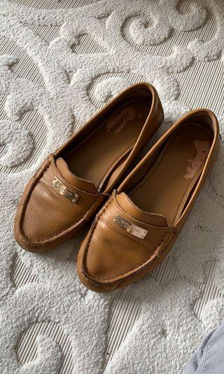 Coach leather tan loafer flats size 8.5