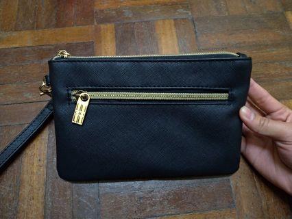Elizabeth Arden黑色手拿包
