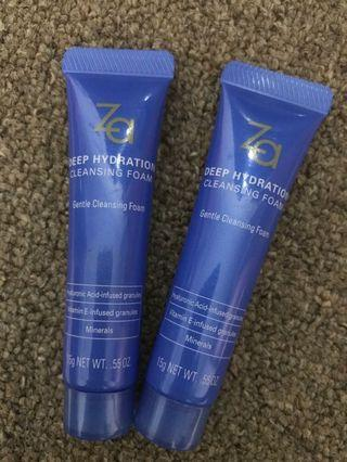 Deep hydrating cleanser ( vitamin e and AH Infused granules)