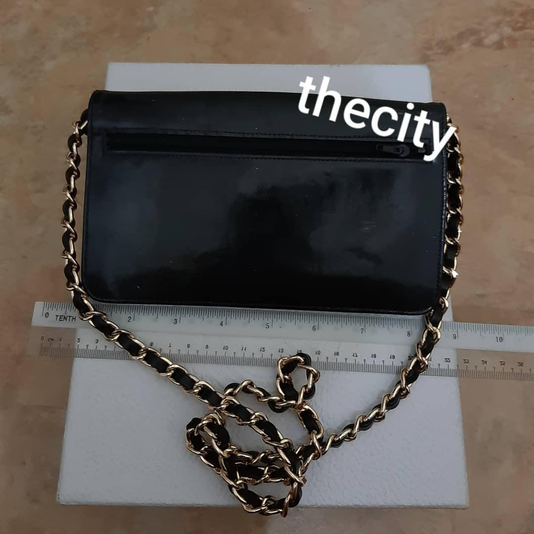 AUTHENTIC CHANEL SHINY BLACK PATENT LEATHER XL ORGANIZER POUCH/ WALLET - CC LOGO DESIGN - HOLOGRAM STICKER INTACT- CLEAN INTERIOR - GOLD HARDWARE- WITH EXTRA ADD HOOKS & LONG CHAIN STRAP FOR CROSSBODY SLING - (CHANEL WOC'S NOW RETAILS AROUND RM 10000+)