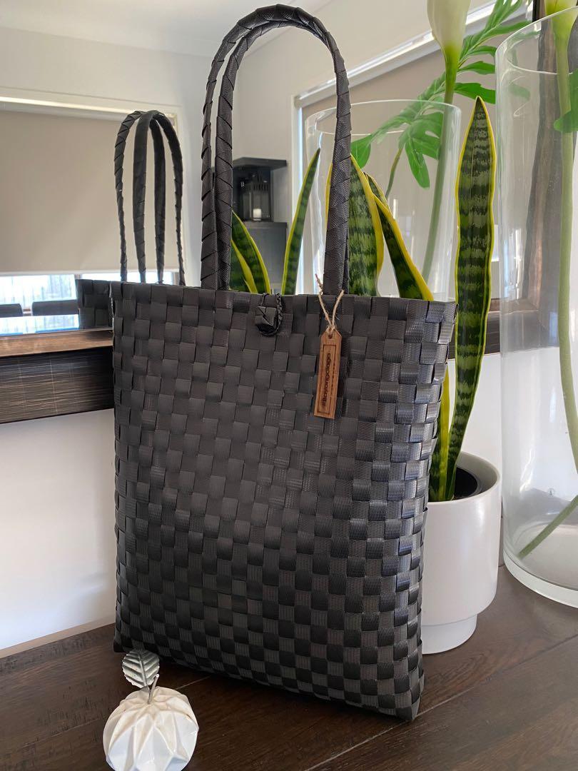 BAYONGciaga Go Slim Black Luxe Bag (Laptop Bag) Size 40x34 cm (approx)