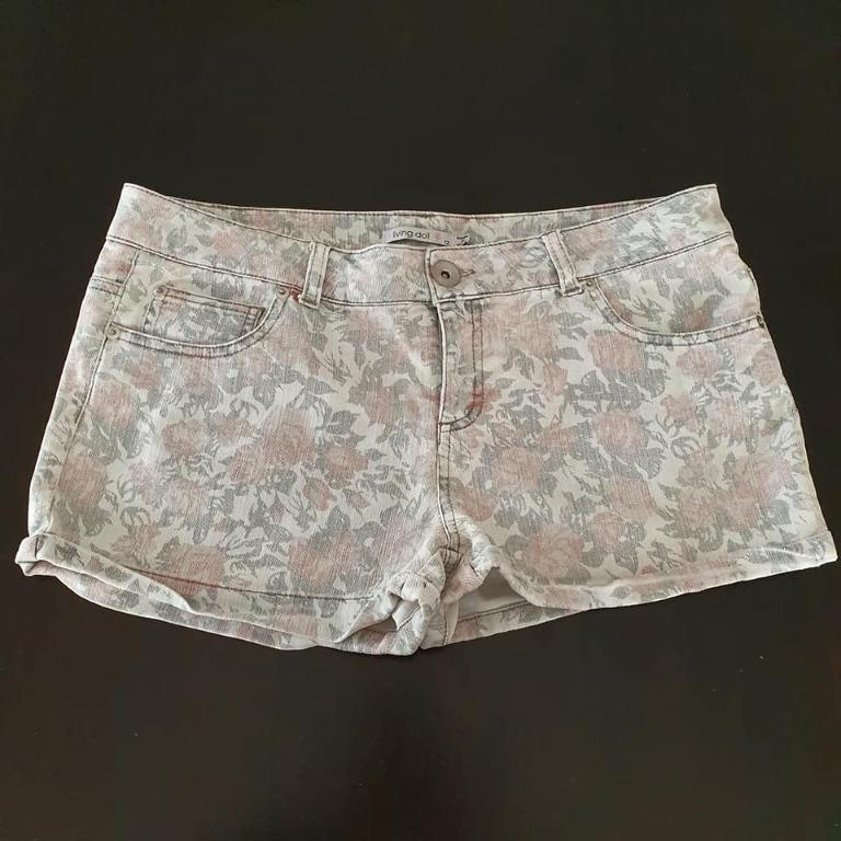 size 12 ladies vgc living doll floral print short denim shorts