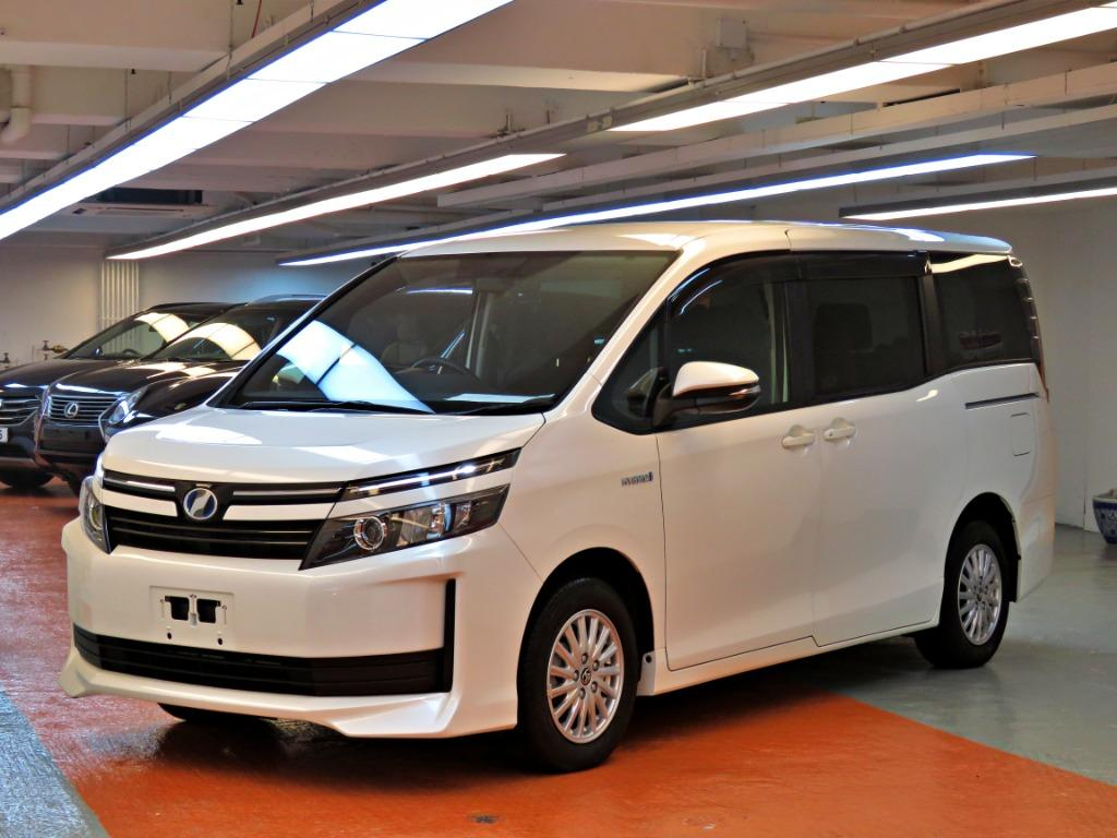 Toyota Voxy 1.8 Hybrid (A)