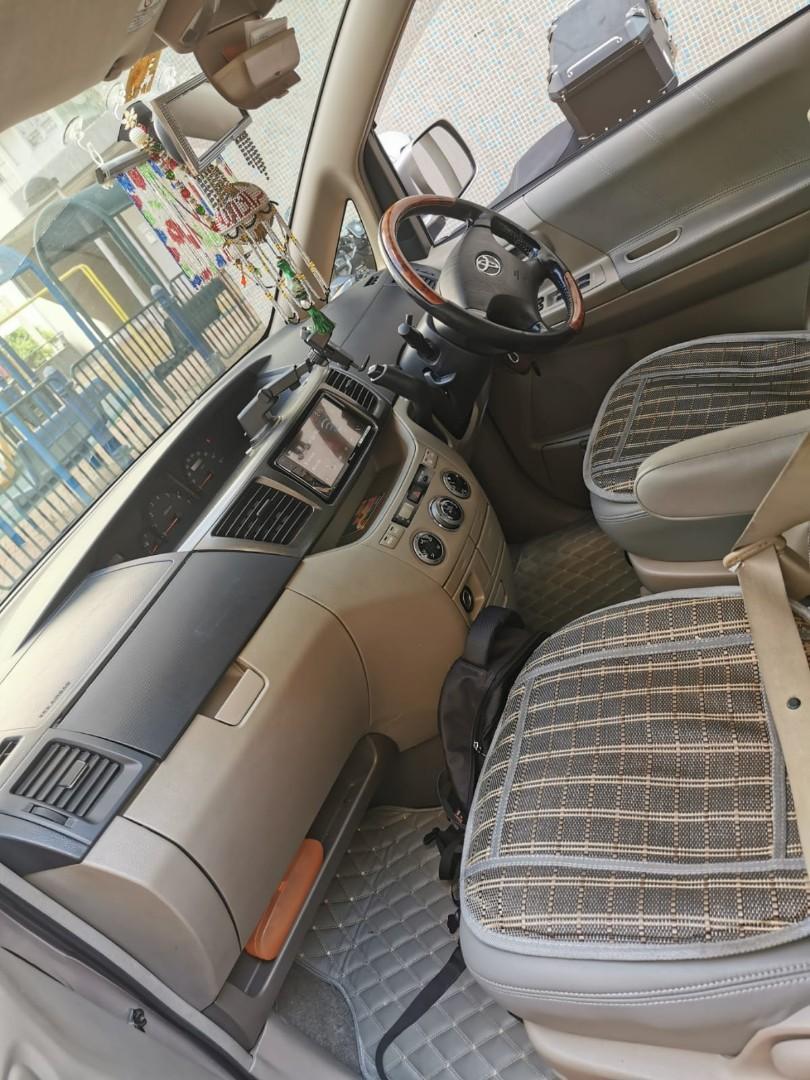 Toyota Voxy 2.0 Auto