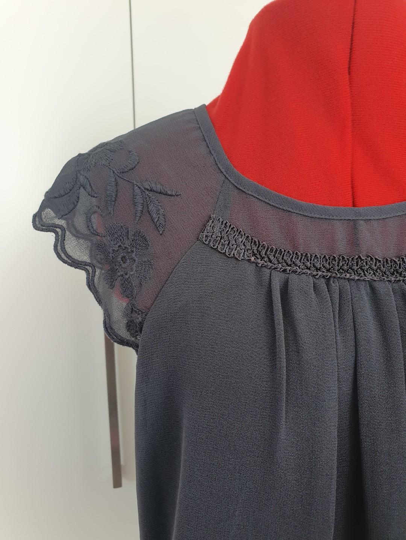 Vero moda - grey scalloped sleeves top - size XS #swapau