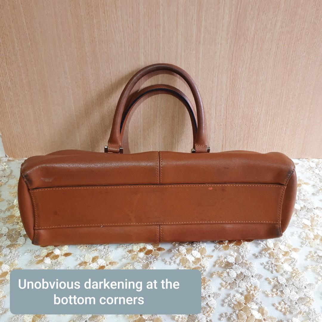 Women's Fashion Handbag. Man made leather. Good condition, just has unobvious darkening at corners. Not for fussy buyer.  WhatsApp 96337309.