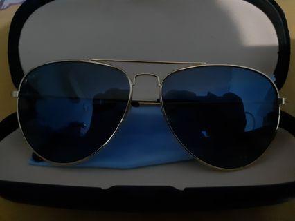 kacamata - sunglasses
