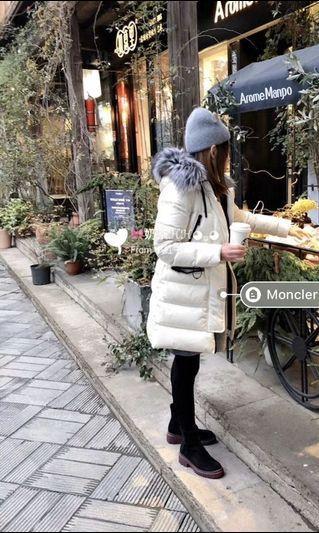 真品Moncler熱門明星款白色長版皮草毛毛連帽羽絨外套
