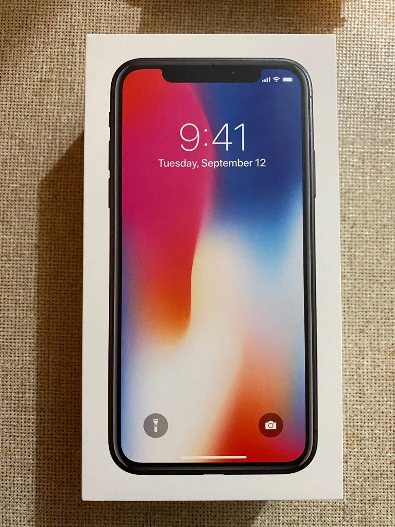 Apple iPhone X 256gb Near New condition with original box