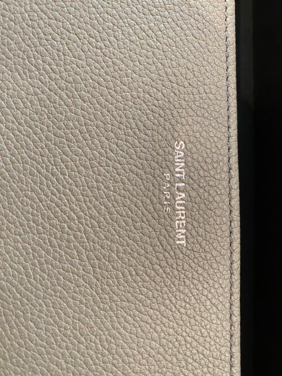 BN CLASSIC SAINT LAURENT PARIS ZIP AROUND WALLET IN LIGHT GREY GRAINED LEATHER