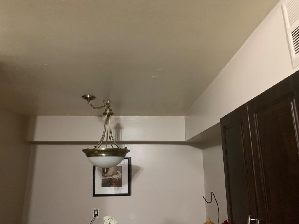 Lamp for sale (kitchen or living room) antique style