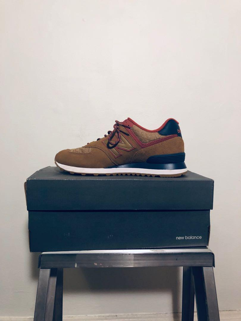 New Balance Tan, Navy and Red Lifestyle Sneakers Size 9W