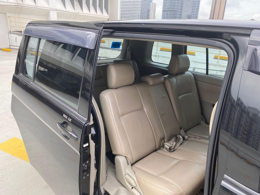 Toyota ISIS 7 seater