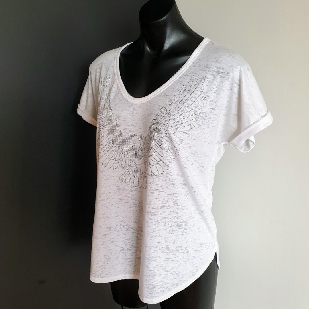 Women's size S 'DECJUBA' Gorgeous white eagle design tshirt top - AS NEW
