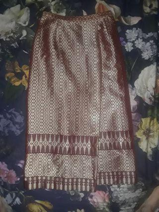Beautiful Vintage Thai oriental Gold rainbow woven embroidered tapestry wrap Skirt small