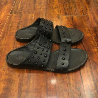 UO sandals size 7.5/8
