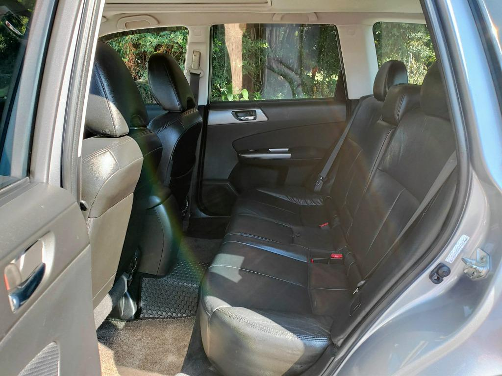 《鑫宏車業》2011年速霸陸森林人2.0,8安、ABS、天窗、循跡防滑....歡迎預約來店賞車