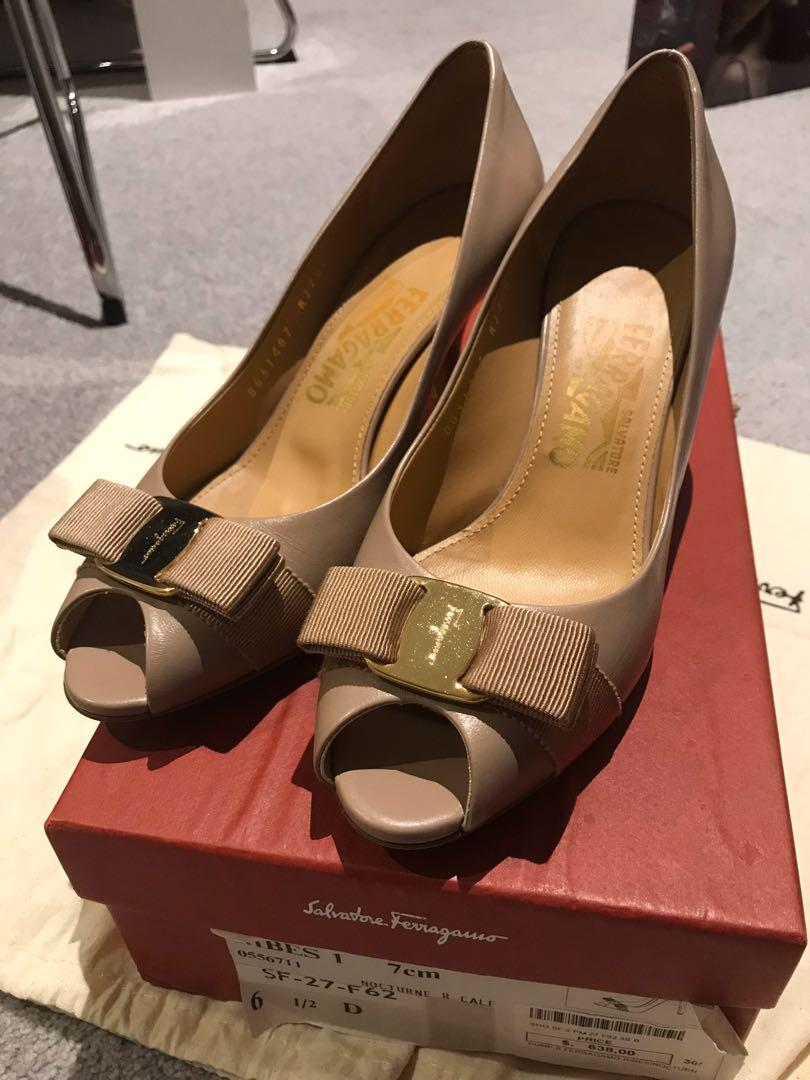 Ferragamo 98%new high heel in original box size 37