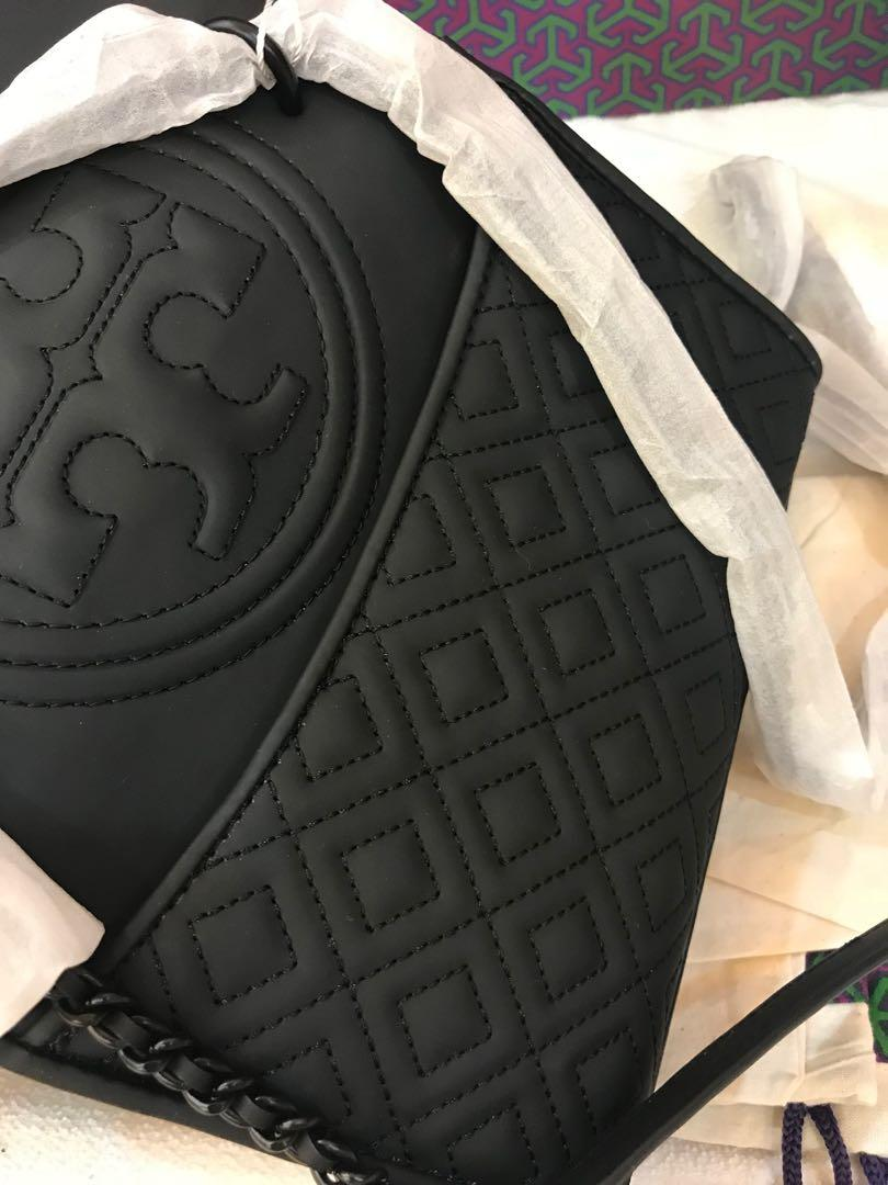 Ready stock authentic Tory Burch women Matt black cny promotion in small sling bag