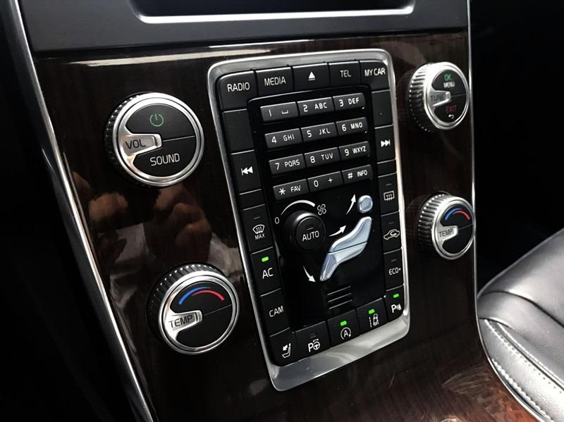 15款 VOLVO V60 旗艦版 柴油 2.0 全車原鈑 小改款8速 三大安全系統  盲點