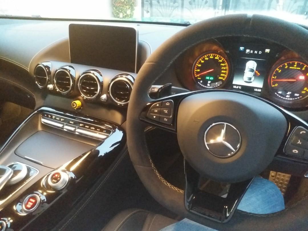 Mercedes-Benz AMG GTR Manual