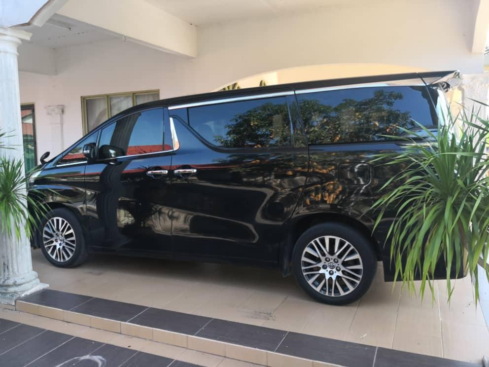 SAMBUNG BAYAR *✅Toyota Vellfire* *2.5 2015/17* *Bulanan RM2377* *Due date 25hb* *Road tax july 2020* *Baki loan 6 tahun* *8 seater /2 Power door* *Public Bank* wasap 0133787553