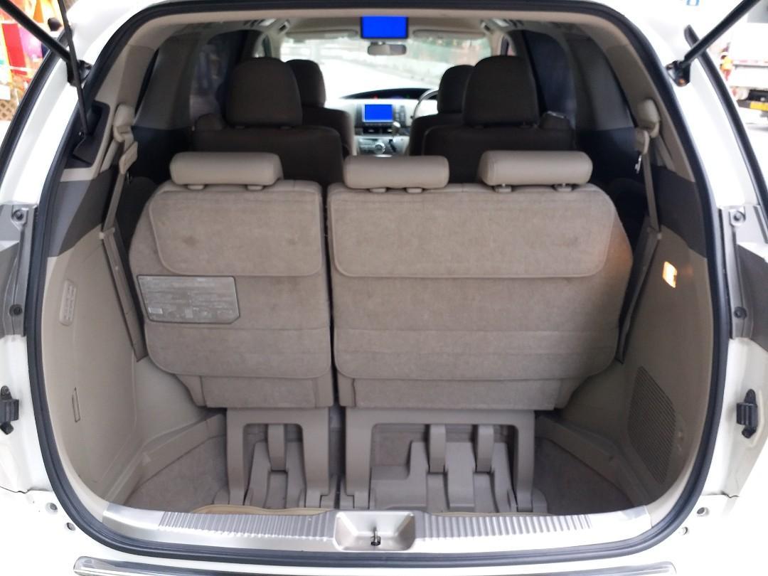 Toyota Estima 2.4  Hybrid Auto