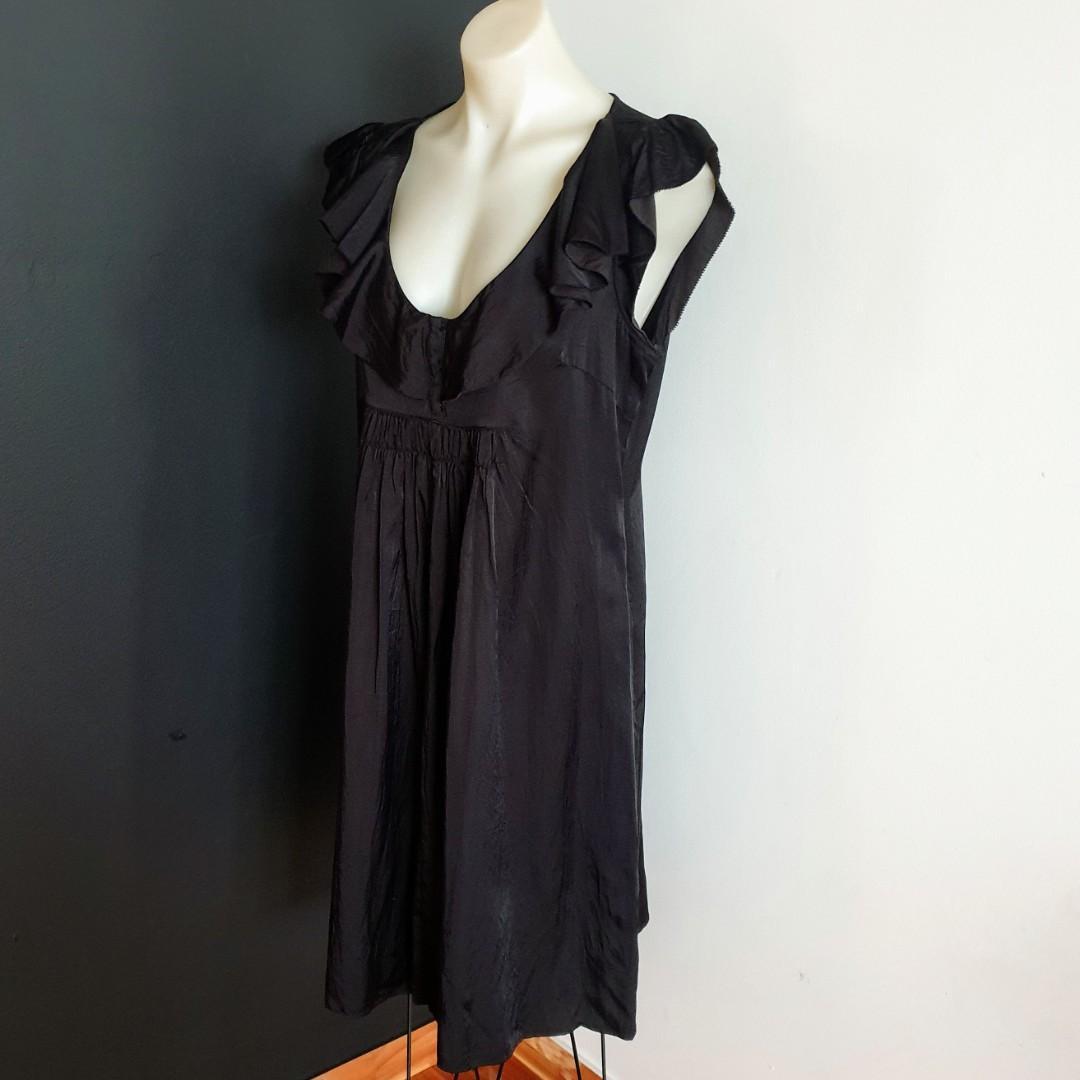 Women's size 14 'WITCHERY' Gorgeous black viscose shift dress with ruffles - AS NEW