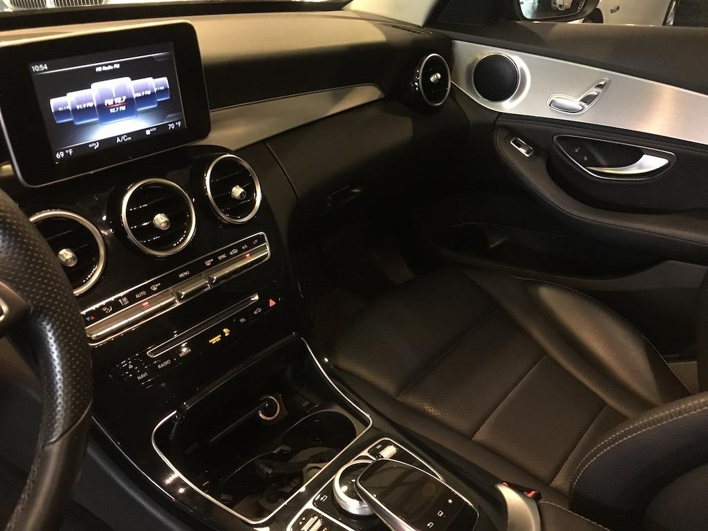 2015 M-Benz C-300 Sedan 大螢幕中文操作介面··全景大天窗·