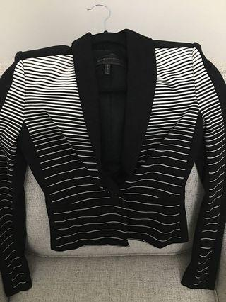 BCBG black and white Blazer (XXS)