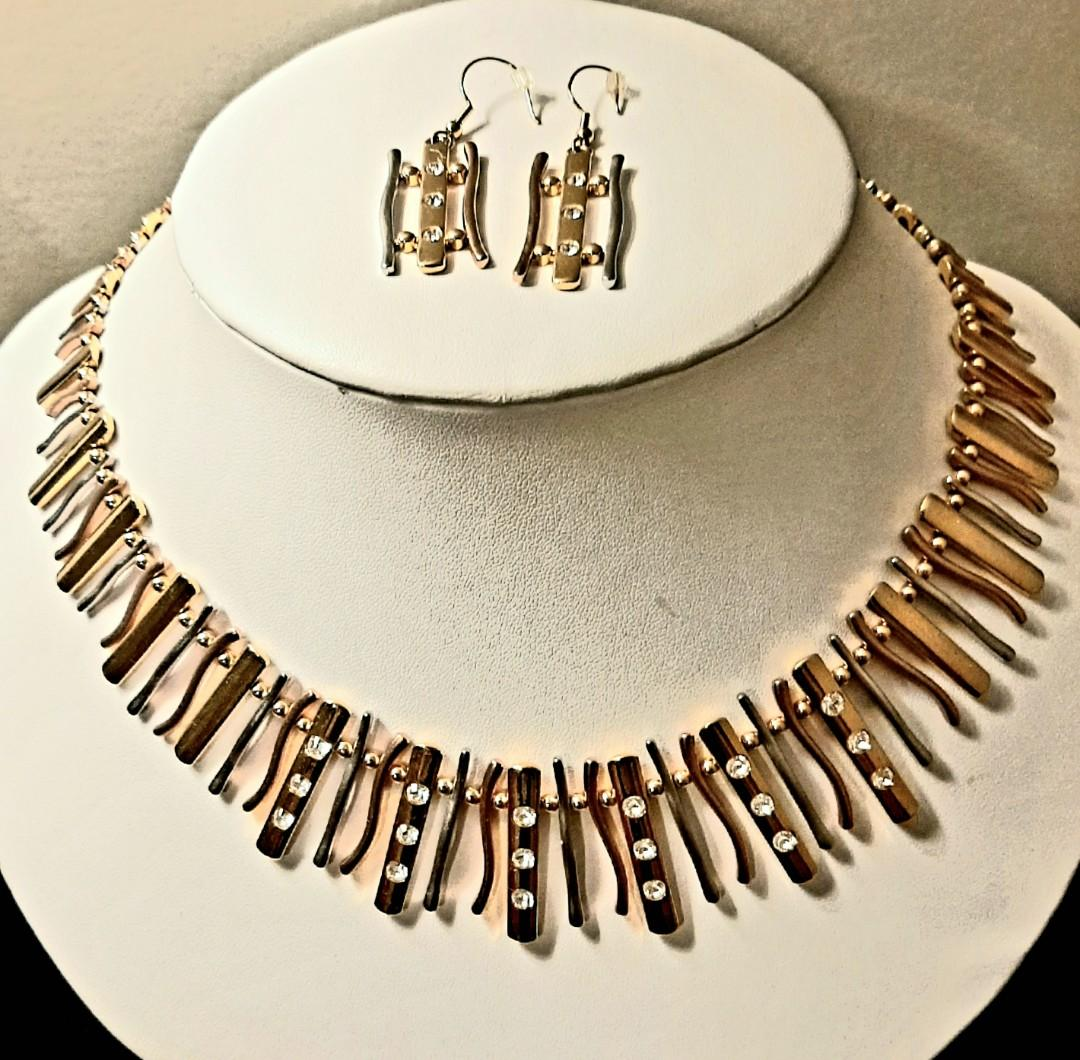 Elegant Vintage Style Fifth Avenue Collection Jewelry Set!