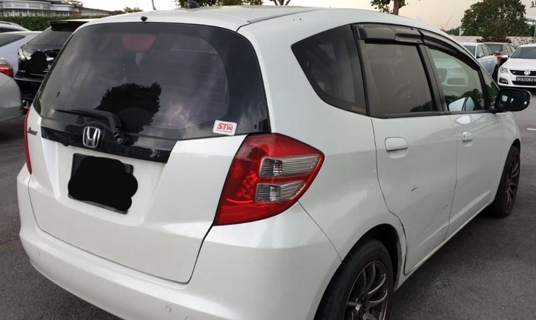 HONDA JAZZ 1.5 (SG CAR COMPLETE MALAYSIA DOCUMENT MALAYSIA, HALAL DI ATAS JALAN RAYA MALAYSIA)