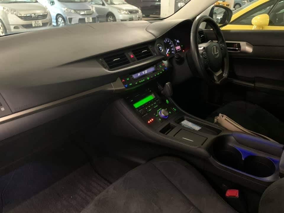 Lexus CT200h Luxury Hybrid (A)