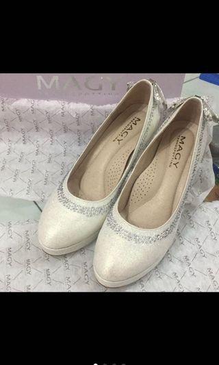 MAGY瑪格麗特 珍珠白 婚鞋 伴娘鞋 高跟鞋 降價