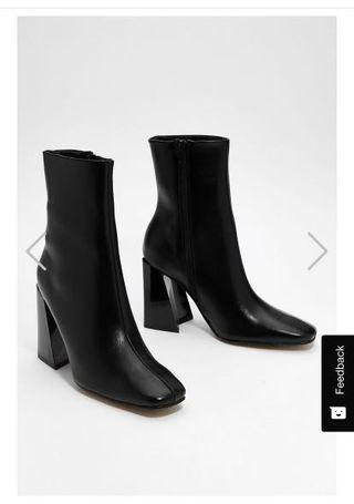 NASTY GAL BOOTIES SIZE 7