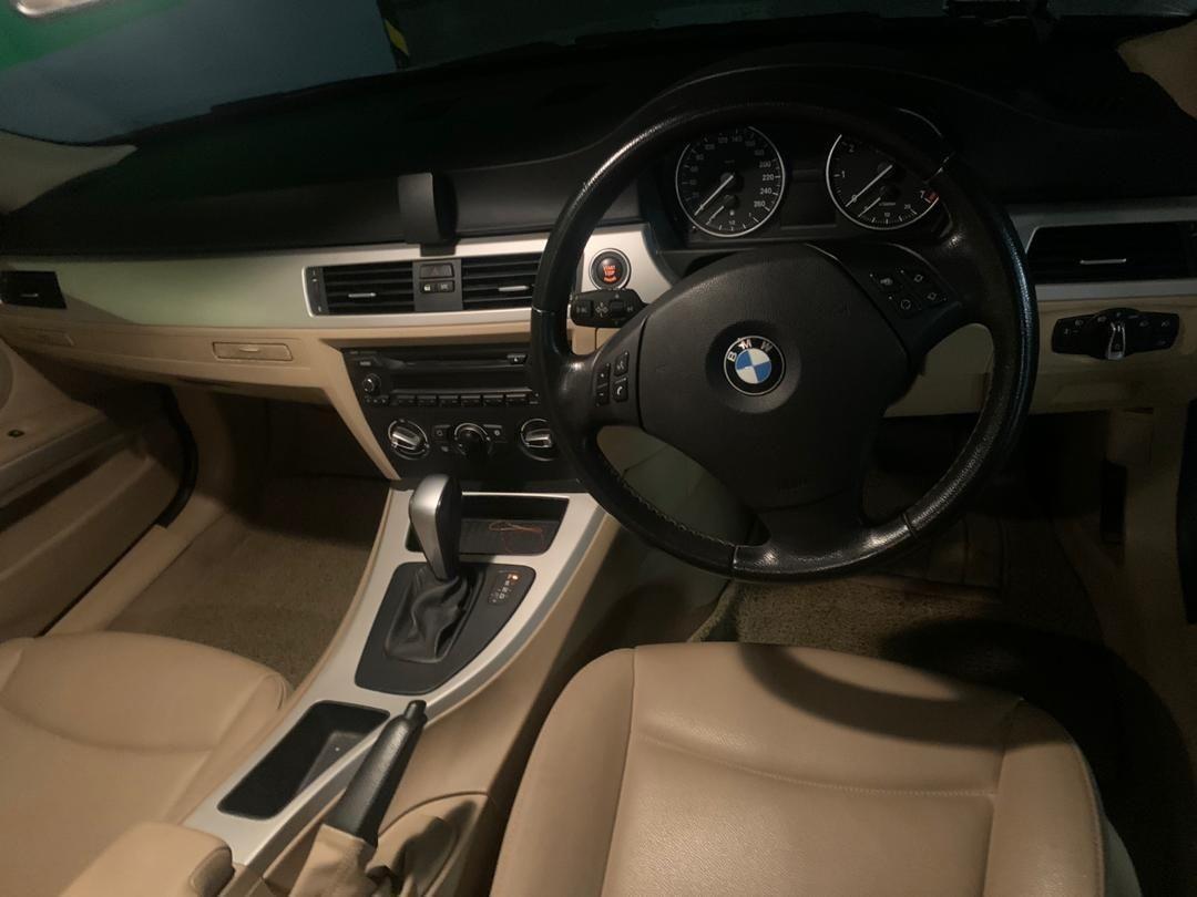 BMW E90 (SG CAR COMPLETE DOCUMENT, HALAL DI ATAS JAKAN RAYA MALAYSIA)