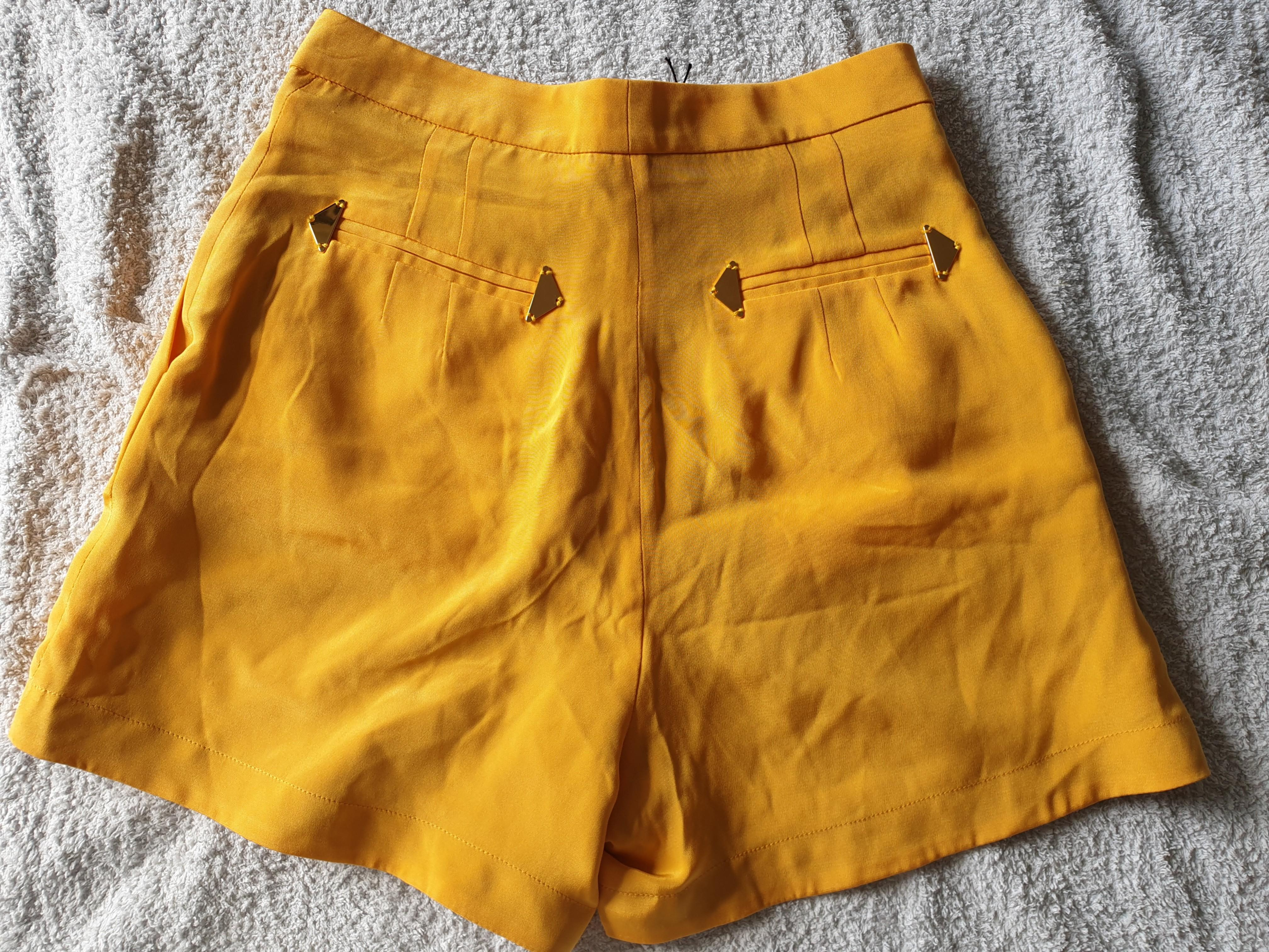 Sophie Hulme Mustar Yellow Silk Shorts Size XS New with Tag